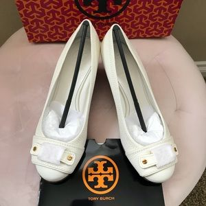 TORY BURCH SELMA WEDGE 7.5 WHITE